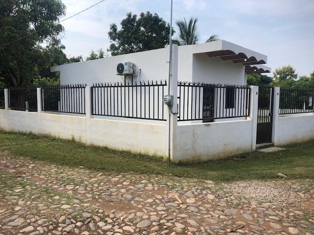 26 Las Fosas, Casa Ale Las Varas