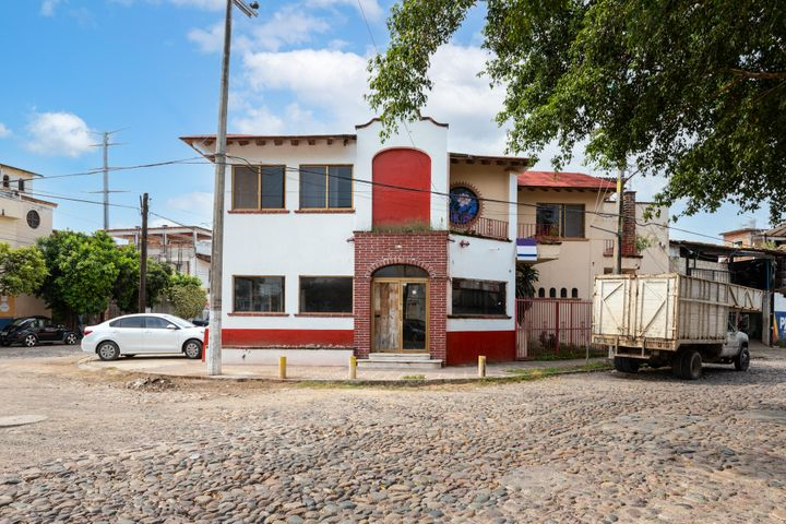 195 Benemérito De Las Americas 195, Multi-use Bodega/warehouse