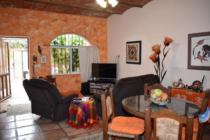107 Gardenias St, Casa Linda