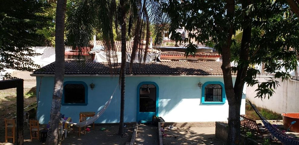 11 Pez Vela, Lot House