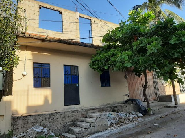107 Calle Roble, Lote Roble