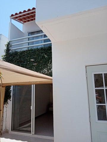 131 Avenida Palma Real 131, Casa Palma Real
