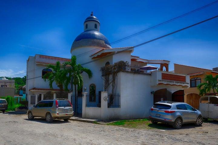 1 Panama, Casa Panama