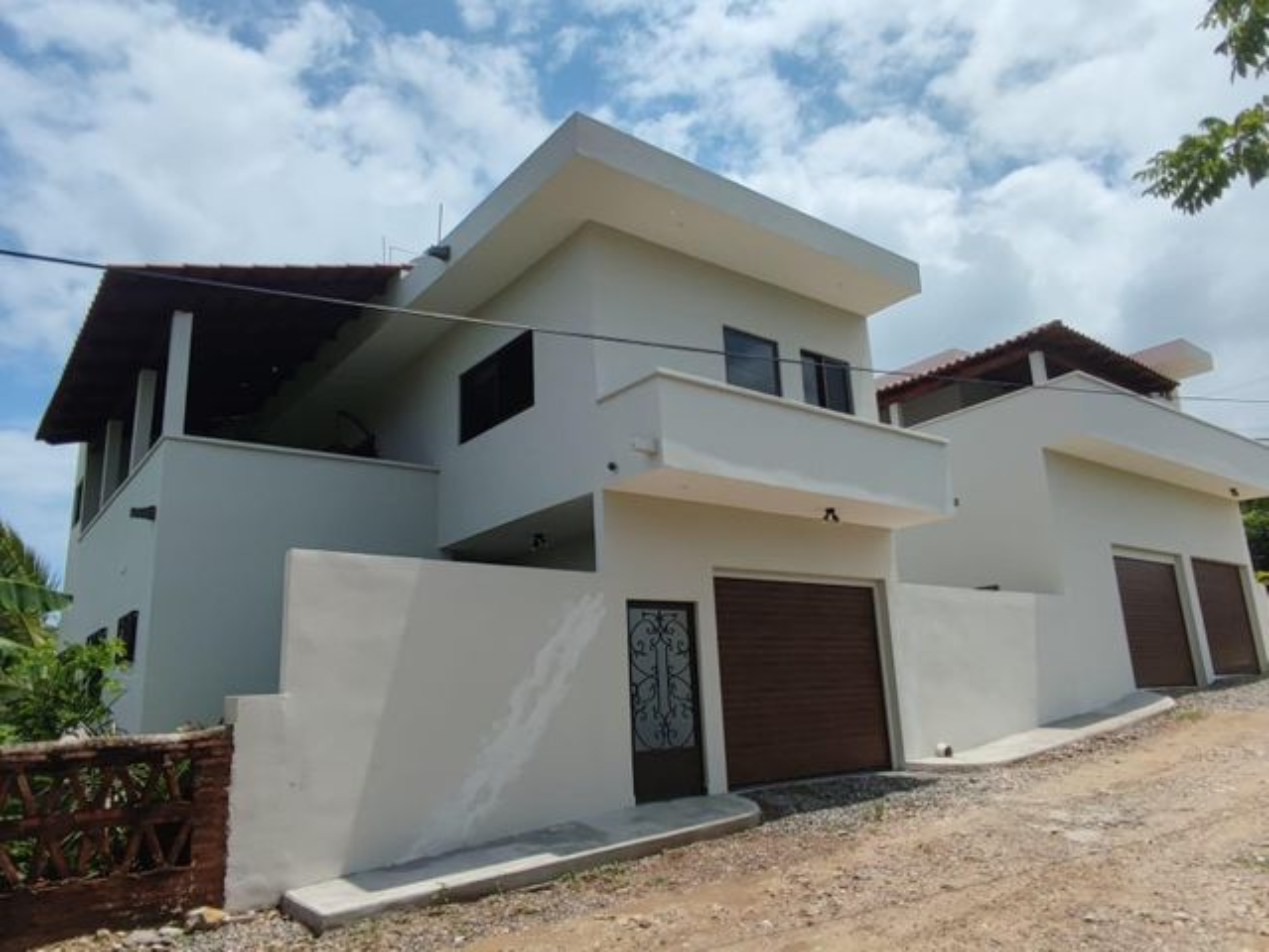 18 C. Loma, Casa Gio´s Litibu