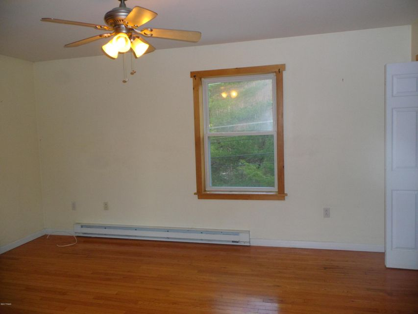 101-103 Upper Lake Dr Greentown, PA 18426 - MLS #: 17-2515