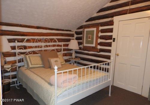 101 Sawmill Rd Dingmans Ferry, PA 18328 - MLS #: 17-4863