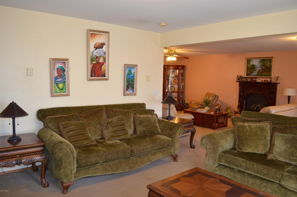 125 Overlook Dr Milford, PA 18337 - MLS #: 17-5215