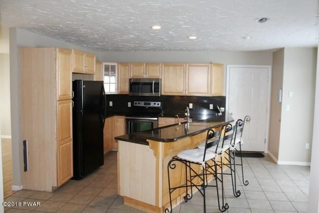309 S Edgewood Dr South Abington, PA 18411 - MLS #: 18-106