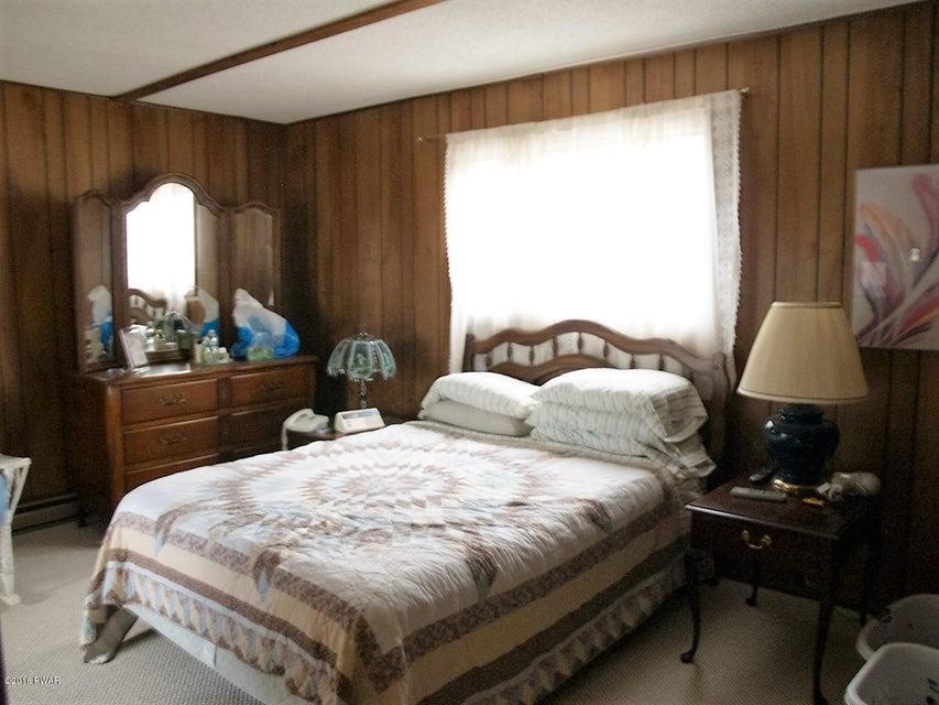 396 Lakewood Ct. Lake Ariel, PA 18436 - MLS #: 18-770