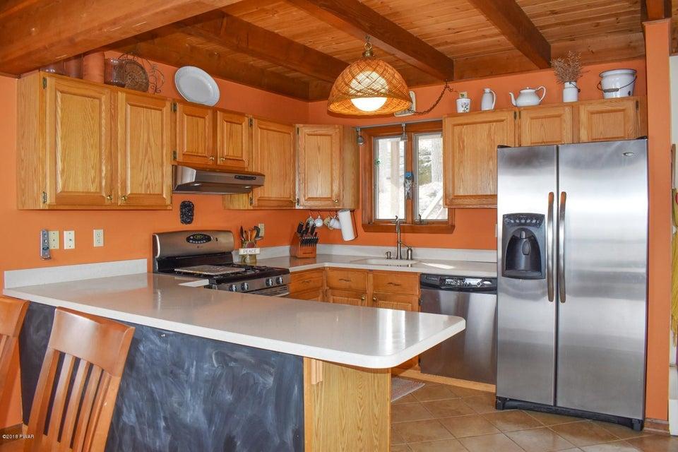 10 Knollwood Rd Lake Ariel, PA 18436 - MLS #: 18-845
