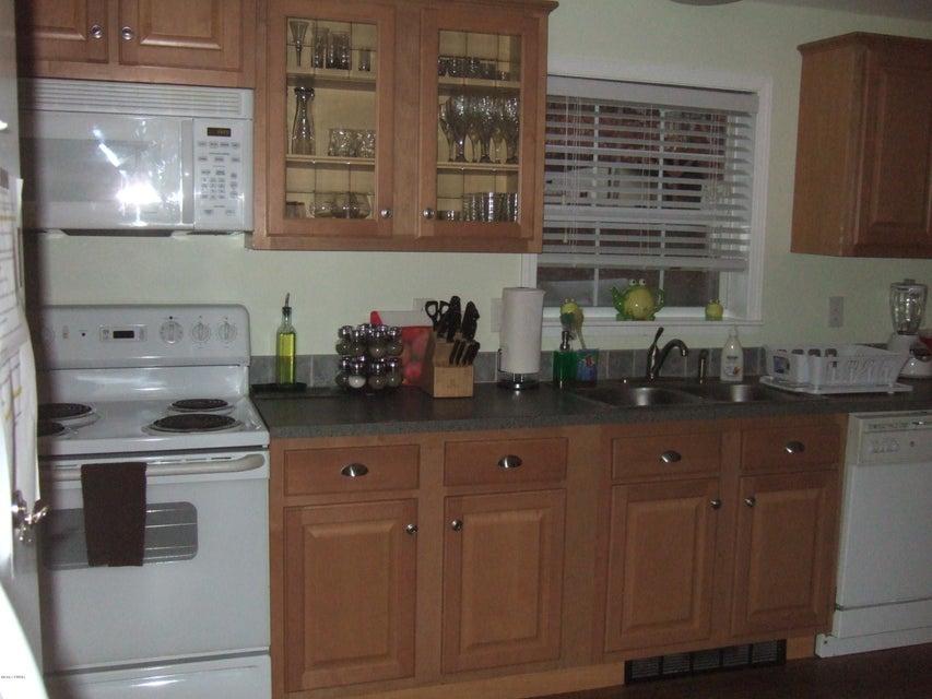 1037 Oak Ter Lake Ariel, PA 18436 - MLS #: 18-852