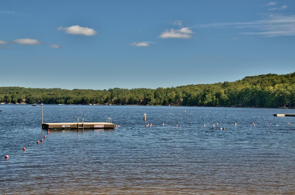 2233 High Point Dr Lake Ariel, PA 18436 - MLS #: 18-1033