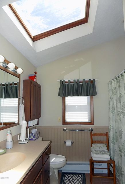 203 Shiny Mountain Ct Greentown, PA 18426 - MLS #: 18-1577