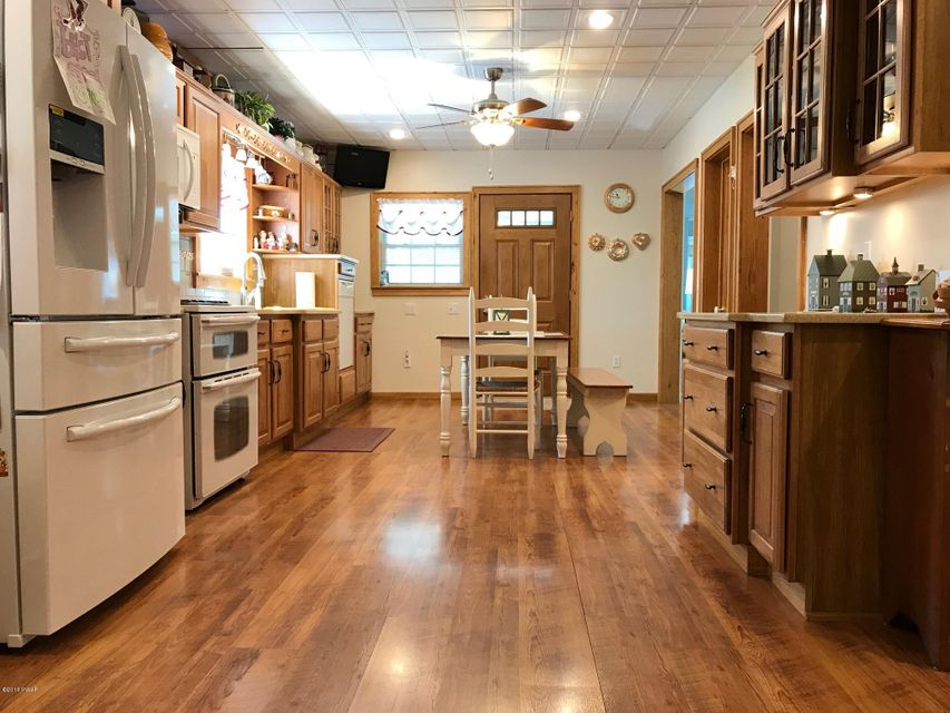 547 Riverside Dr Honesdale, PA 18431 - MLS #: 18-1925