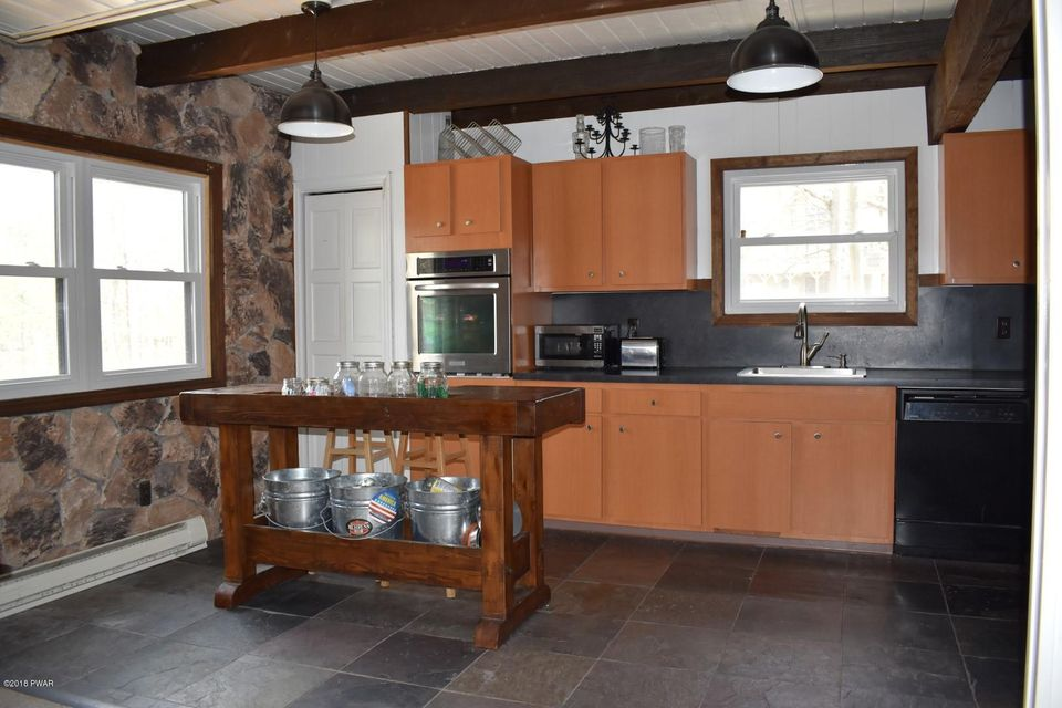 2025 Roamingwood Rd Lake Ariel, PA 18436 - MLS #: 18-1947