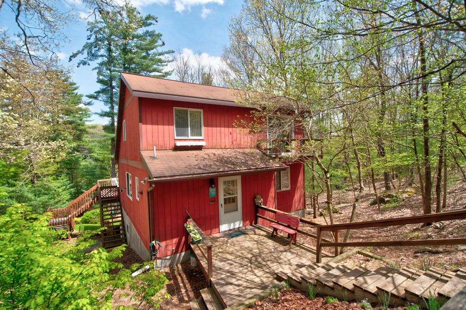 76 Covered Bridge Dr Hawley, PA 18428 - MLS #: 18-1579