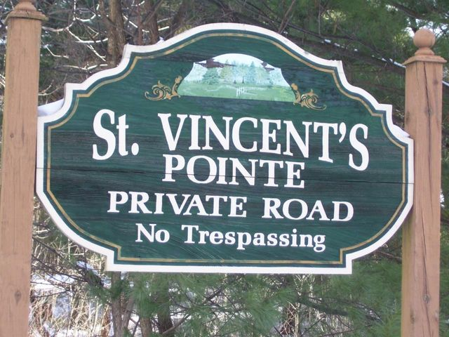 5 St. Vincents Point Rd, Lackawaxen, PA 18435