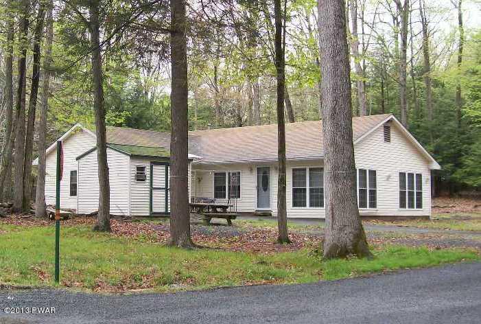 114 Highland Dr, Lakeville, PA 18438