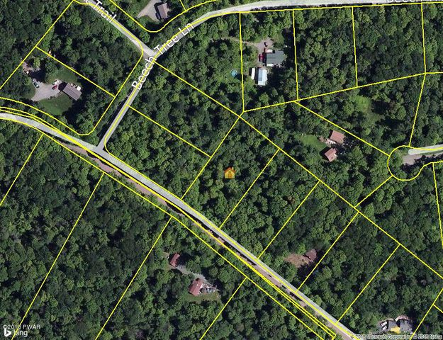 2230 Saw Mill Rd, Greentown, PA 18426