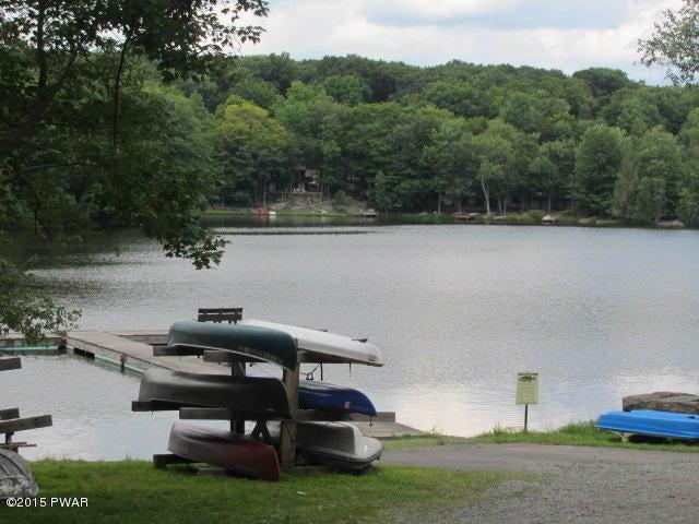 63 Beaver Lake Dr, Lake Ariel, PA 18436