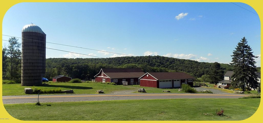 125 Pine Grove Rd, Newfoundland, PA 18445