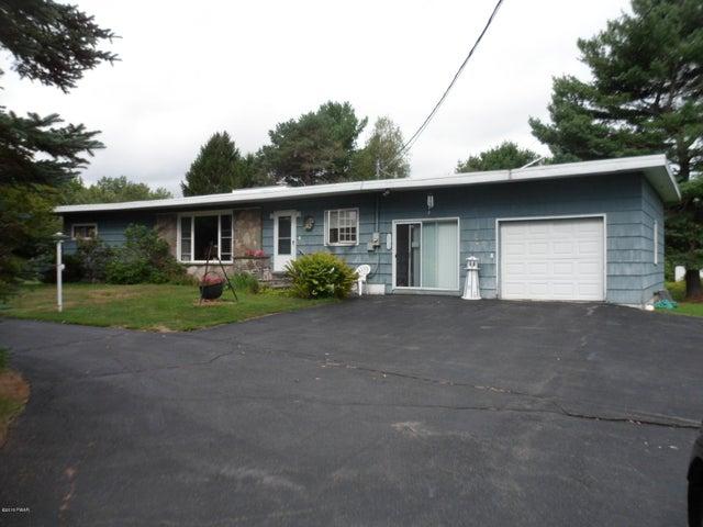 3067 LAKE ARIEL Hwy, Honesdale, PA 18431