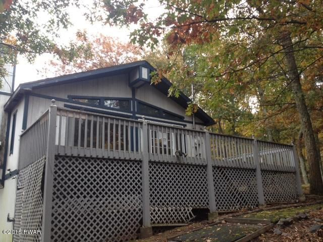227 FOREST Dr, Hawley, PA 18428