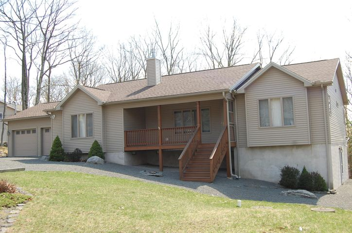 508 Maple Ridge Dr, Lords Valley, PA 18428