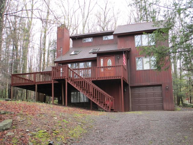 607 Lakeview Dr, Lake Ariel, PA 18436