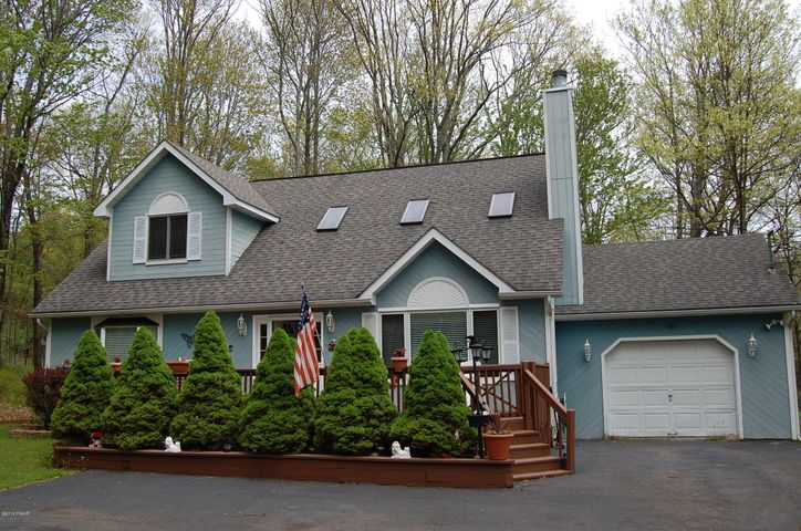 107 Basswood Drive, Lords Valley, PA 18428