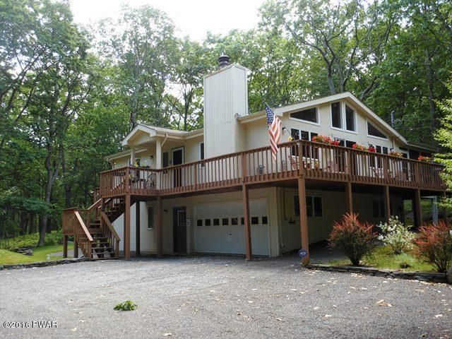 435 Canoebrook Dr, Lords Valley, PA 18428