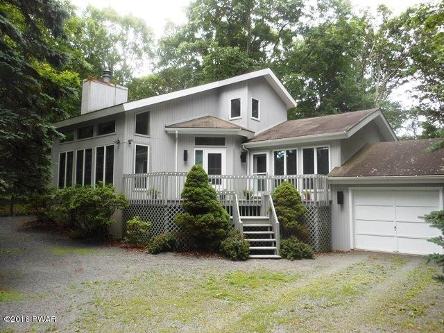 108 Country Club Dr, Lords Valley, PA 18428