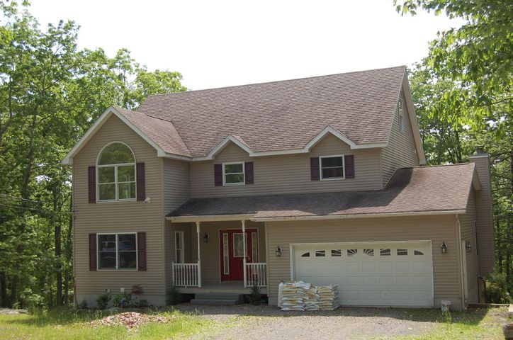806 Mustang Court, Lords Valley, PA 18428