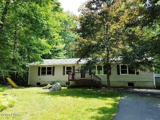 802 Forest Pl, Hawley, PA 18428