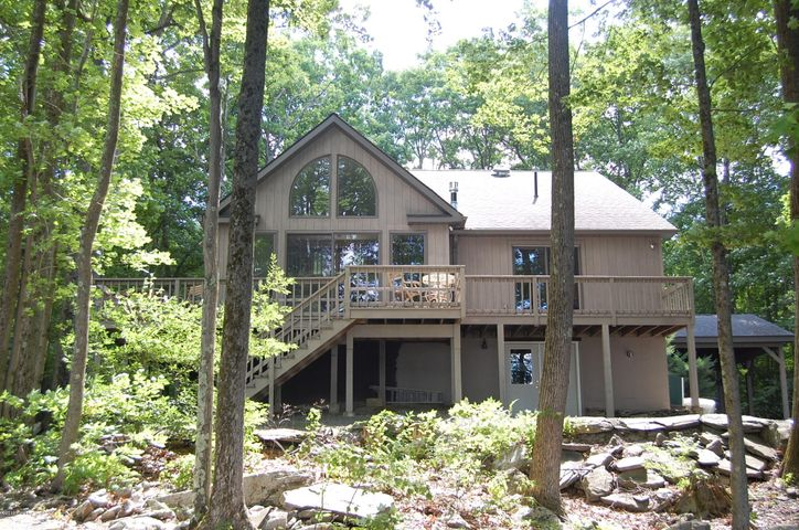 140 Forest Drive, Lords Valley, PA 18428
