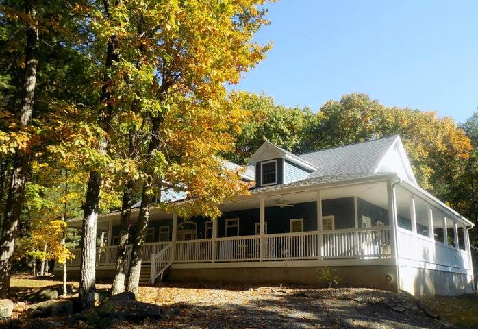 456 Spruce St, Hawley, PA 18428
