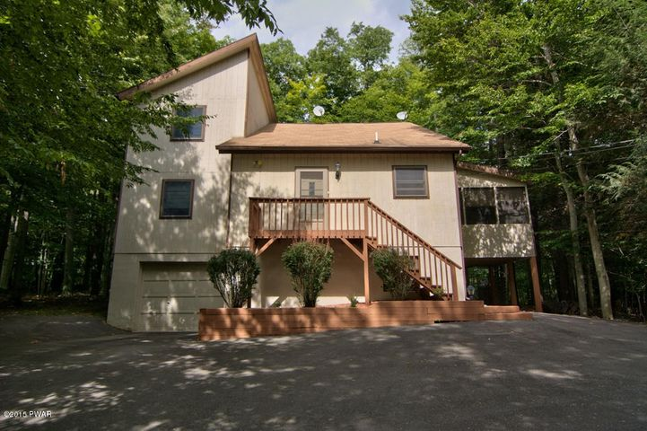 3450 Chestnuthill Dr, Lake Ariel, PA 18436