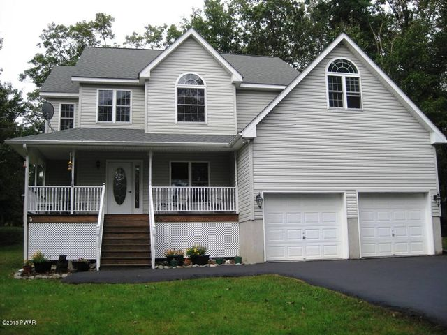 136 Hillside Dr, Lords Valley, PA 18428