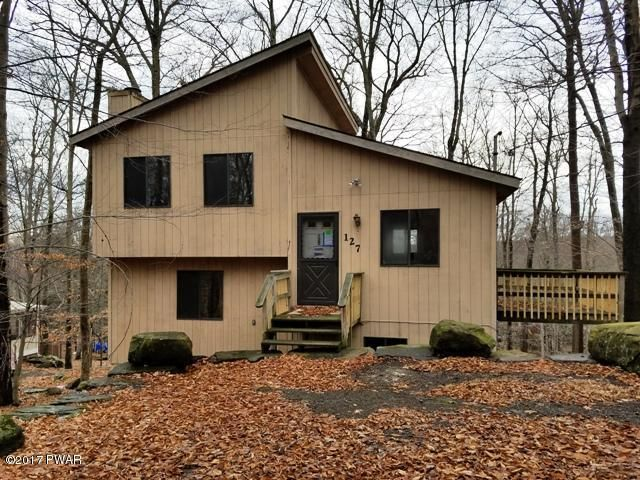 1110 Red Hawk Dr, Lake Ariel, PA 18436