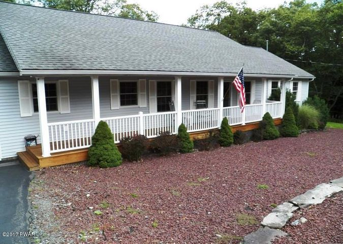 119 Horseshoe Ln, Lords Valley, PA 18428