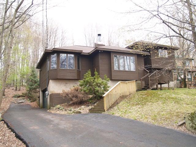 2145 Roamingwood Road, Lake Ariel, PA 18436