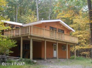 132 Bayberry Dr, Hawley, PA 18428