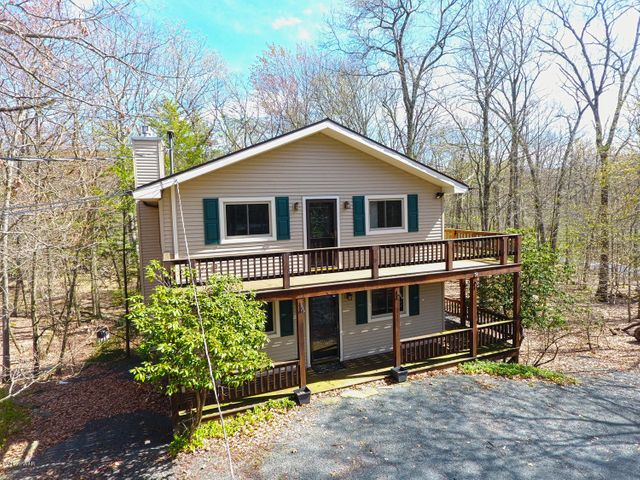 103 Sun Valley Dr, Tafton, PA 18464