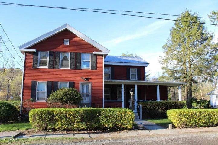 643 Paupack St, Hawley, PA 18428