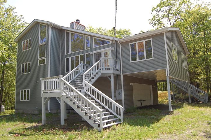341 Surrey Drive, Lords Valley, PA 18428
