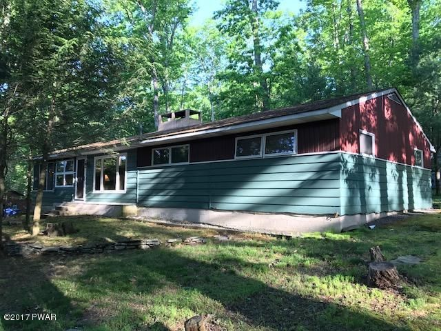 102 Circle Dr, Lakeville, PA 18438