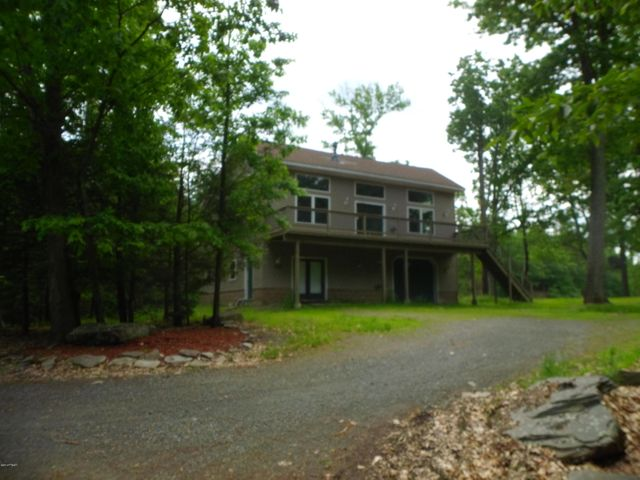 101-103 Upper Lake Dr, Greentown, PA 18426