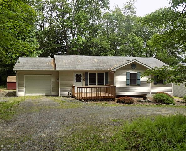 116 Smithview Dr, Greentown, PA 18426