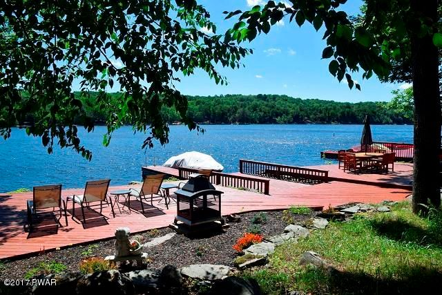 Relax and entertain your guests at your lakefront
