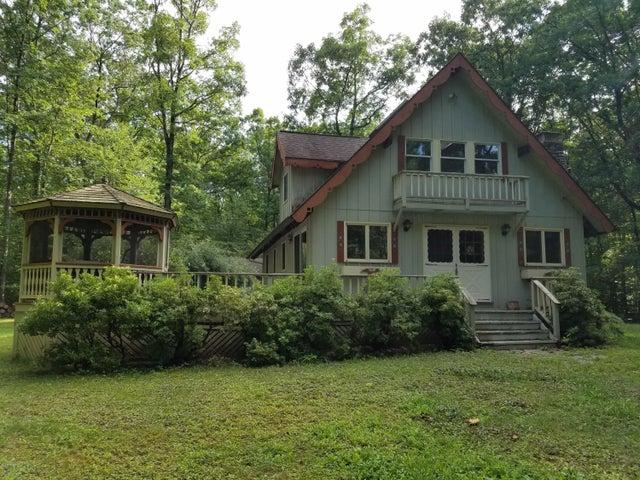 118 Welcome Lake Estates Ln, Hawley, PA 18428